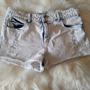 Forever 21 size 28 distressed shorts